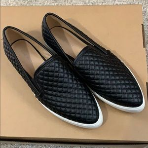 Nine West Black quilted leather loafers 9M